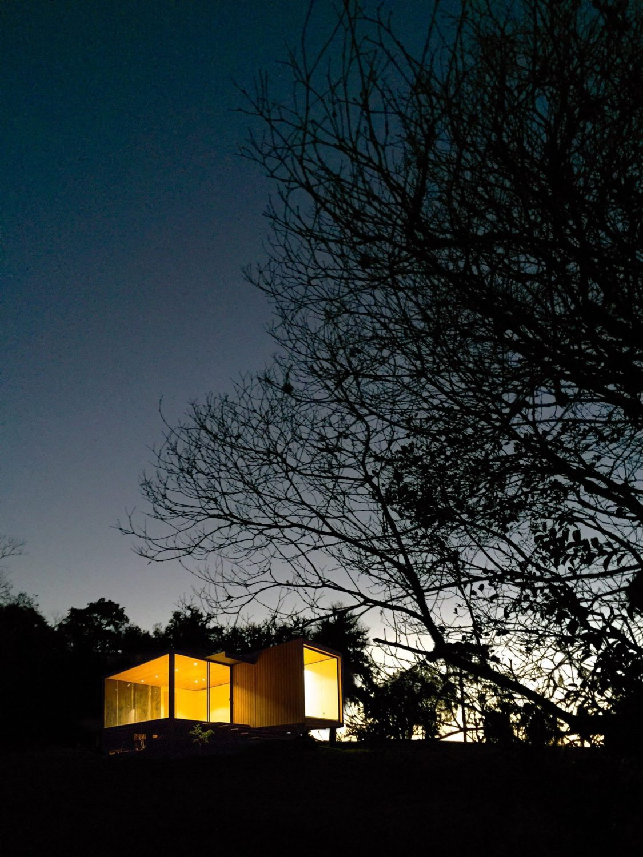 Cainã Refuge by Bruno Zaitter arquiteto