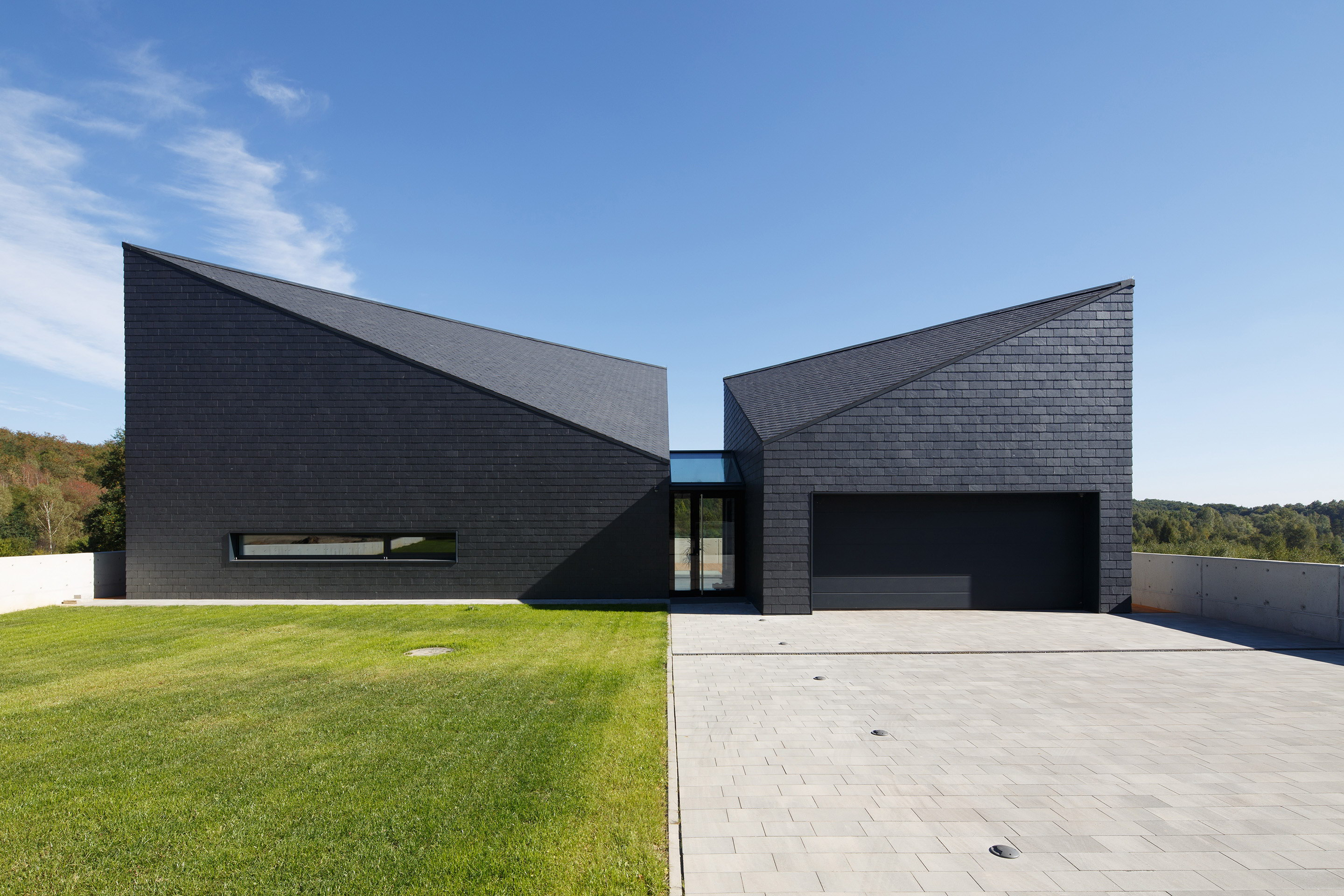 House in Krostoszowice by RS + Robert Skitek