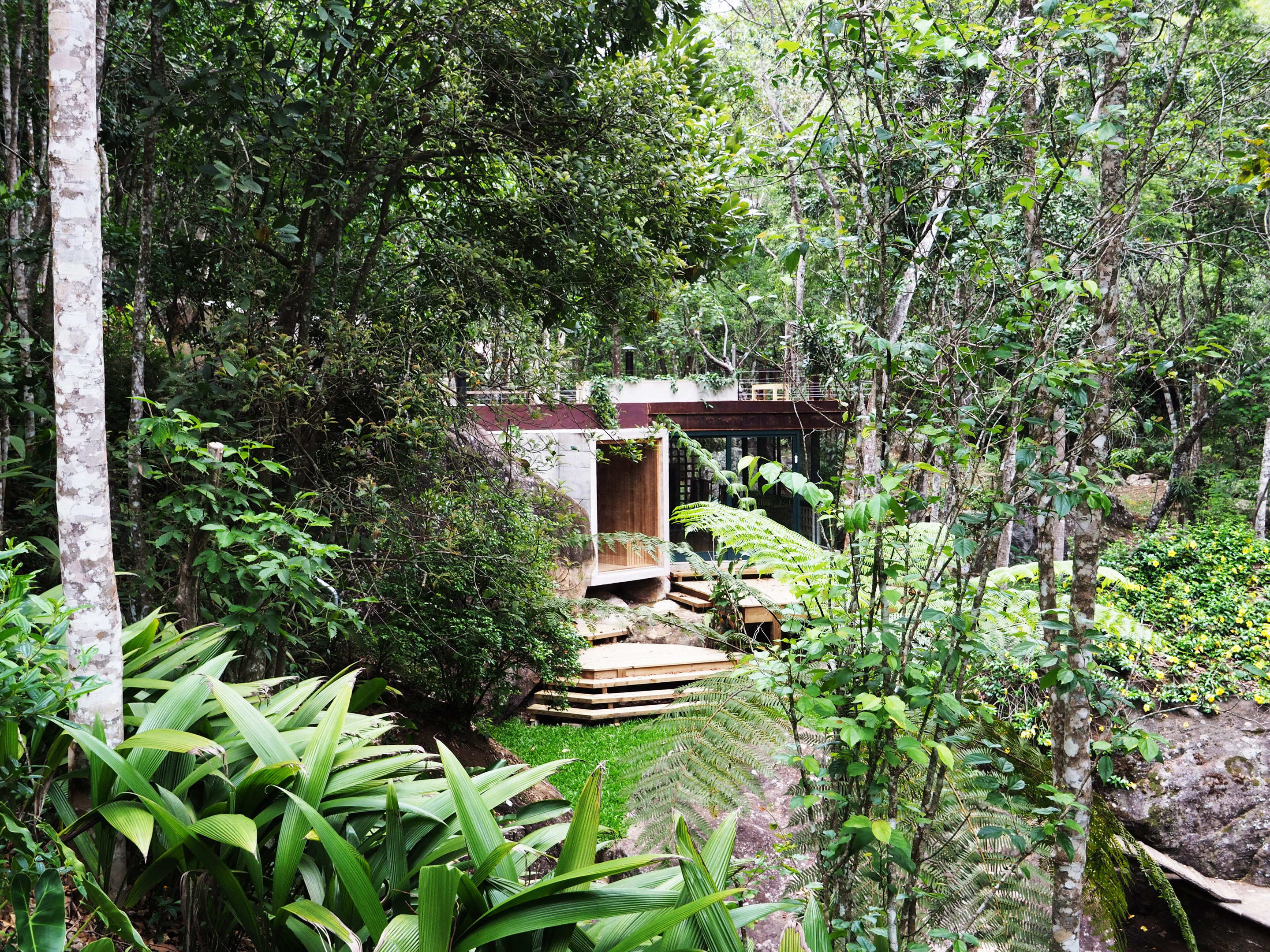 Natural Pool Support Pavilion by Gaudenzi Arquitetura