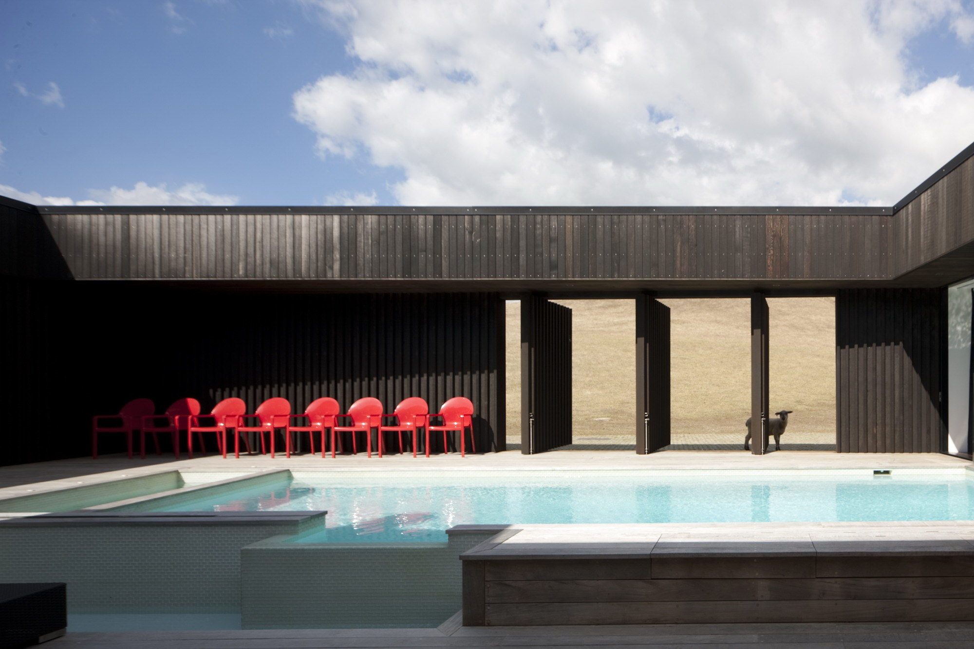 Parihoa House by Pattersons
