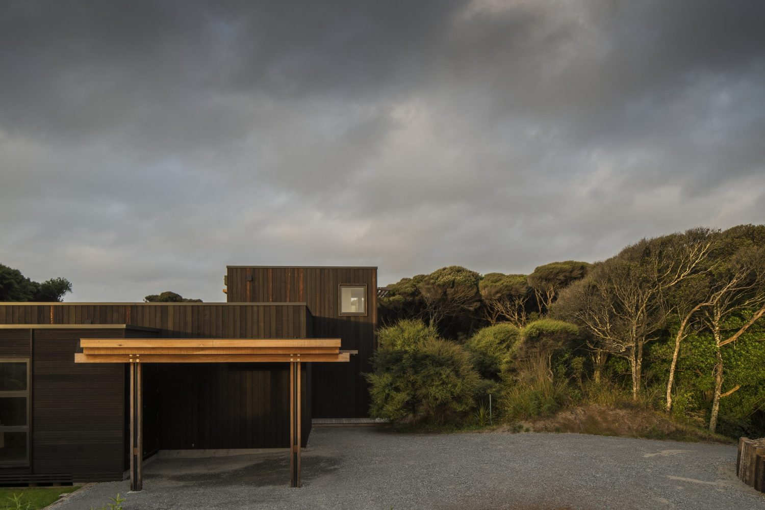Peka Peka House II by Herriot Melhuish O'Neill Architects