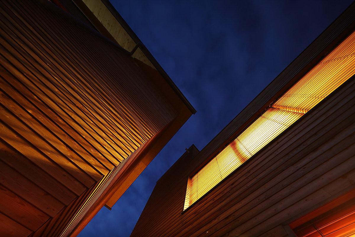 Two Wooden Towers by Hohengasser Wirnsberger Architekten