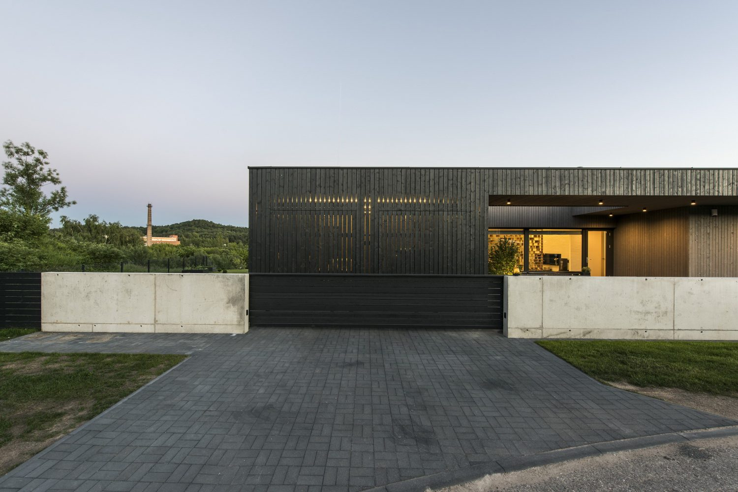Black Box House by PAO Architects