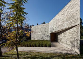 L House by Alric Galindez Arquitectos