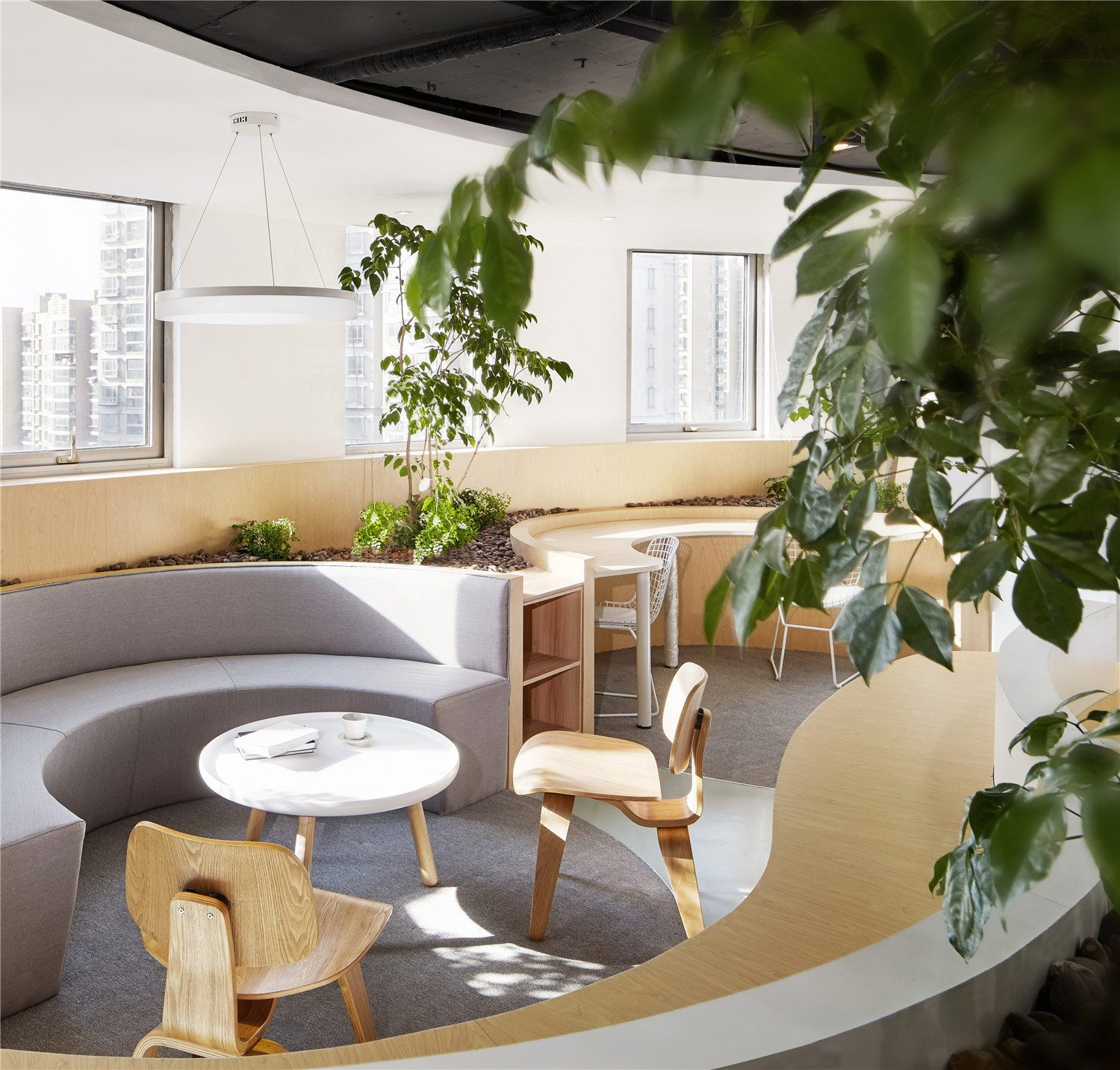Office Reconstruction by Muxin Design