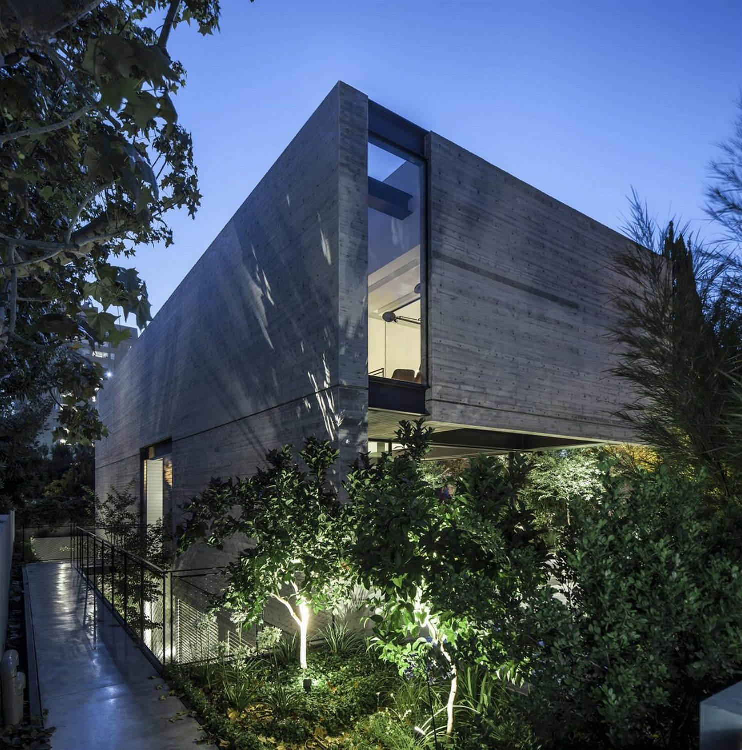 SB House by Pitsou Kedem Architects