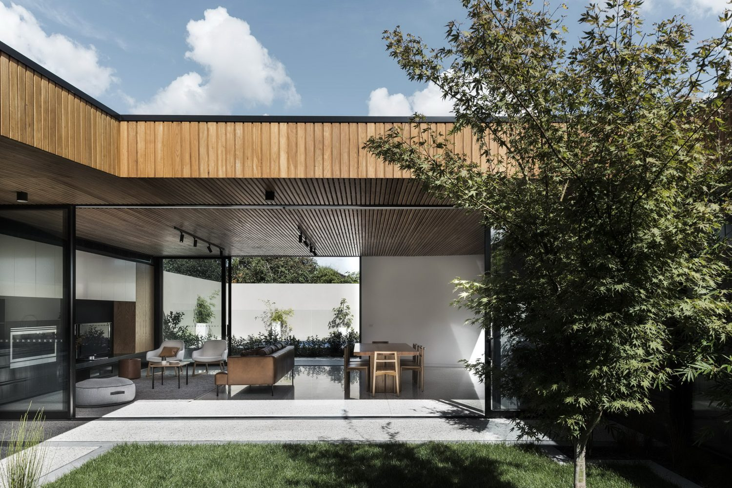 Courtyard House by FIGR Architecture & Design