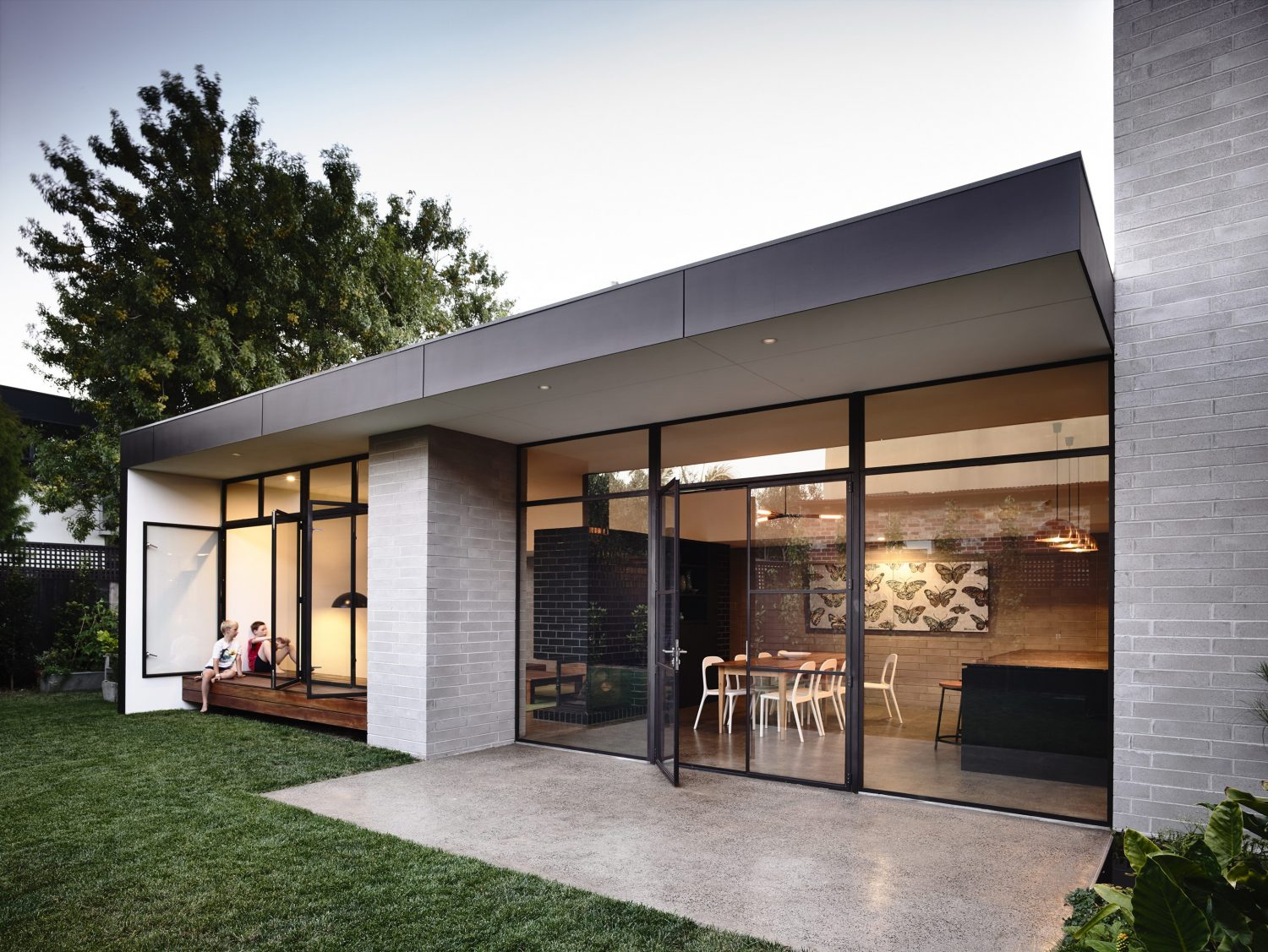 Elwood House by Preston Lane