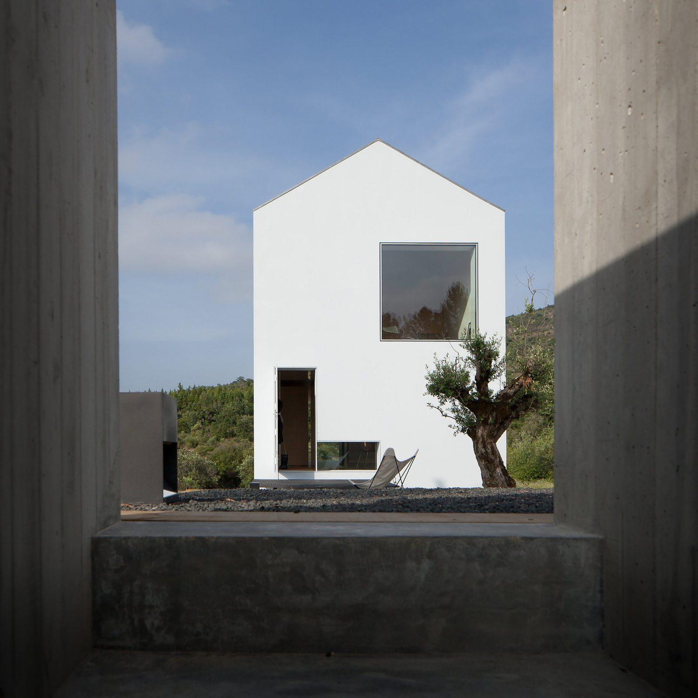 Fonte Boa House by João Mendes Ribeiro