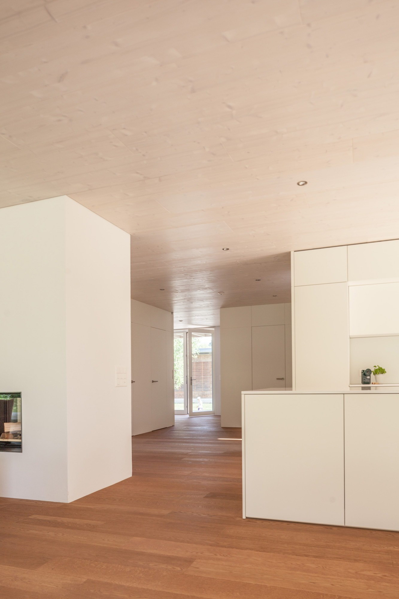 House at Lake Biel by Markus Schietsch Architekten