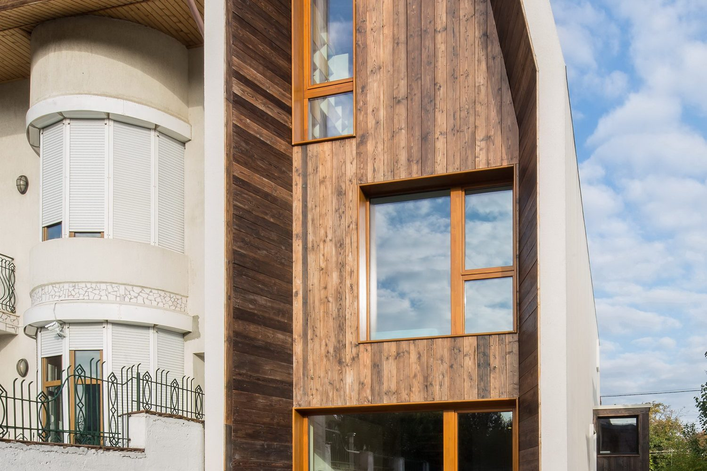 LAMA House | Narrow House by LAMA Arhitectura