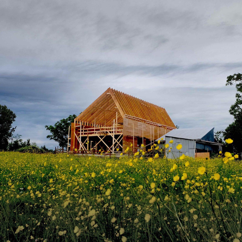 Swallowfield Barn by MOTIV Architects