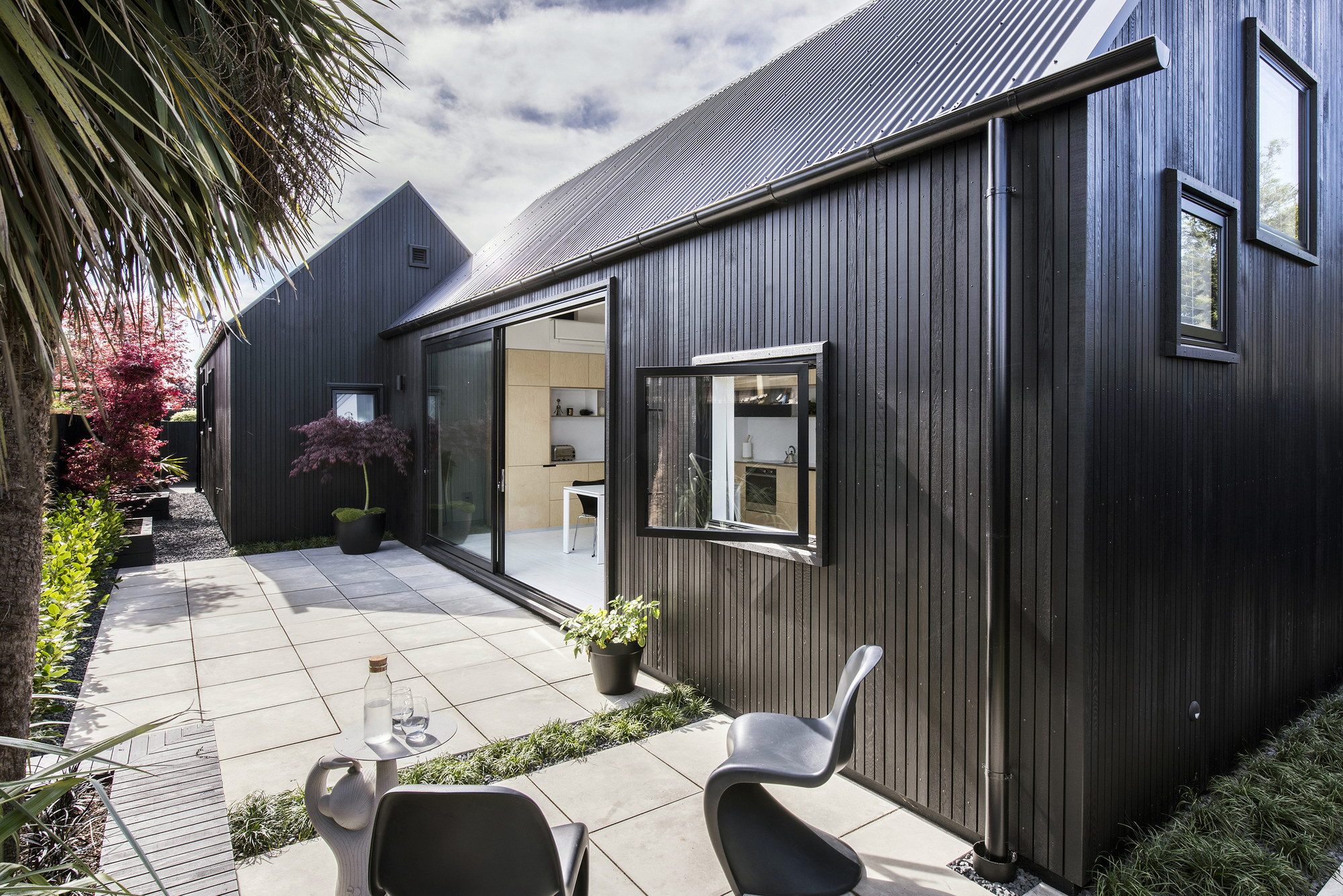 Urban Cottage by CoLab Architecture