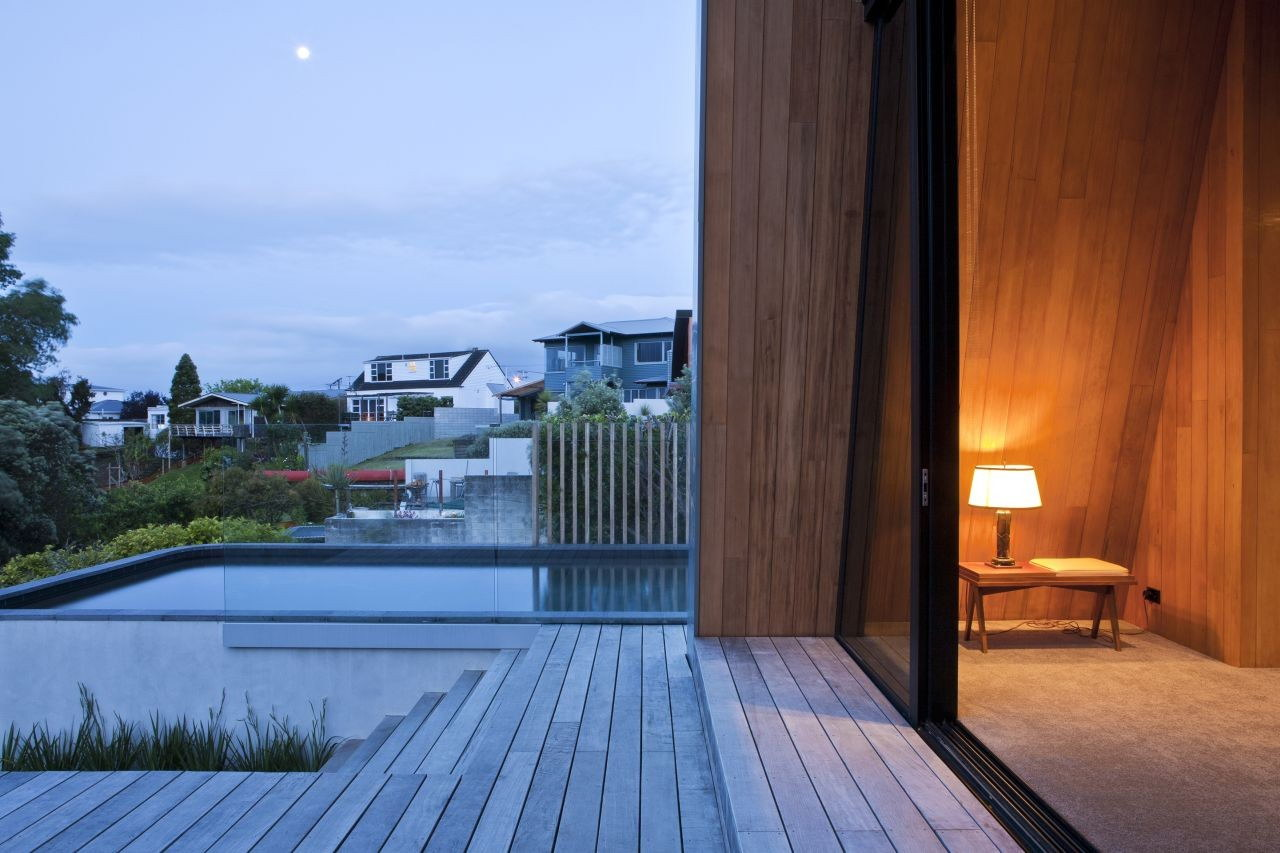 Winsomere Crescent by Dorrington Atcheson Architects