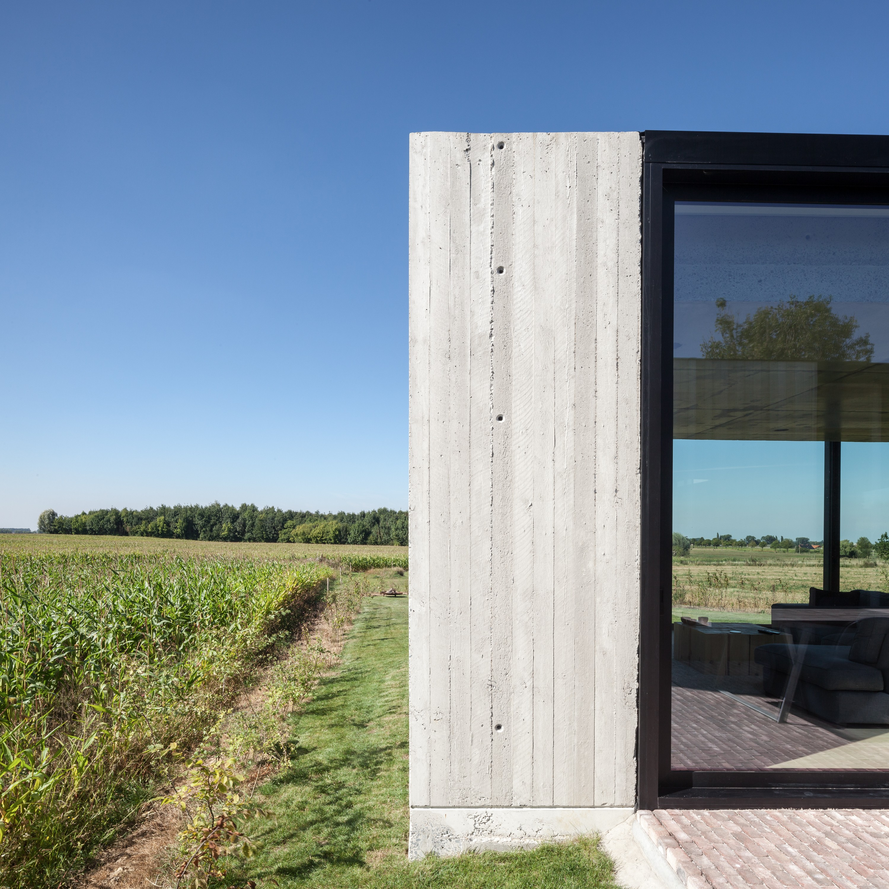 Caswes   Timber and Concrete House by TOOP architectuur