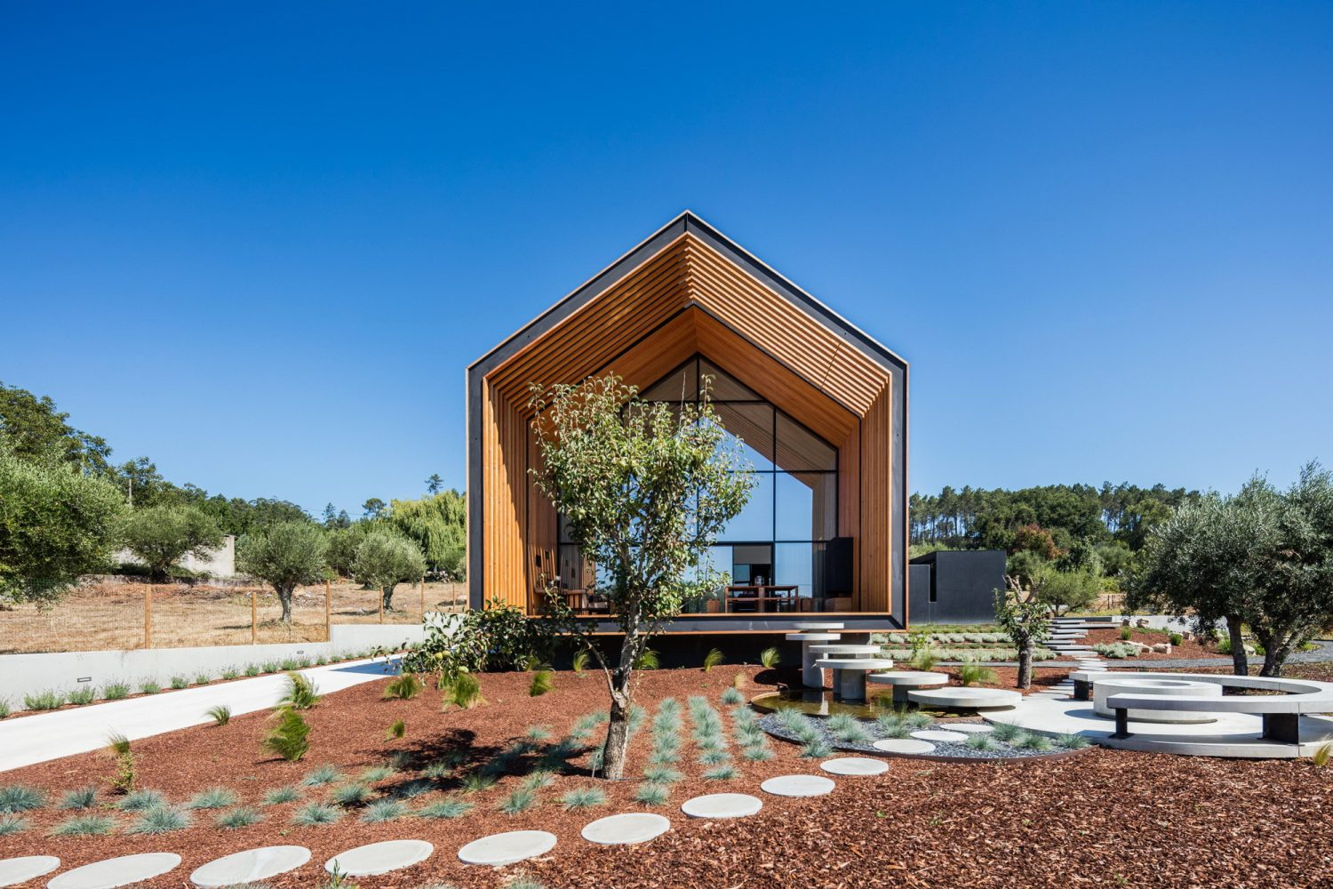 House in OHouse in Ourém by Filipe Saraiva