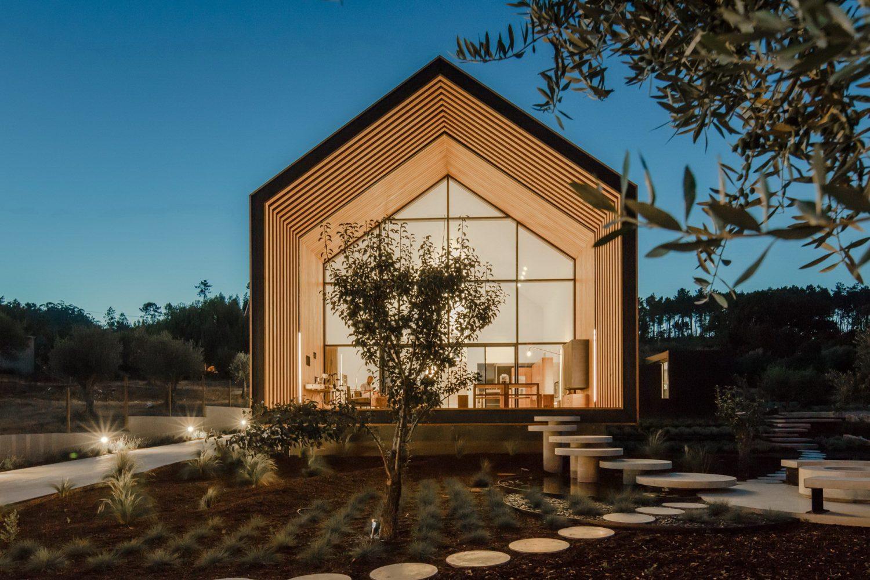House in Ourém by Filipe Saraiva