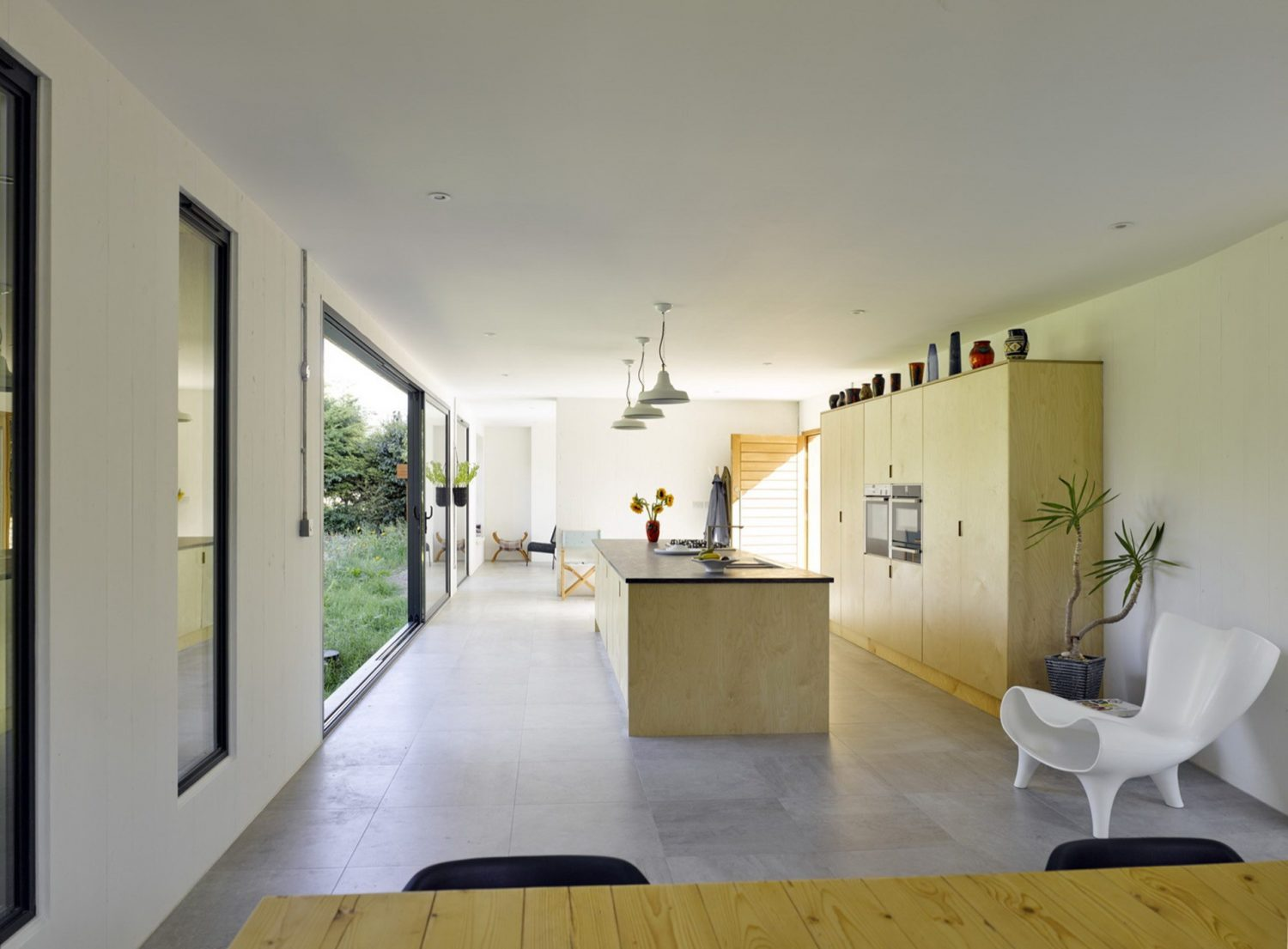 Hurdle House by Adam Knibb Architects