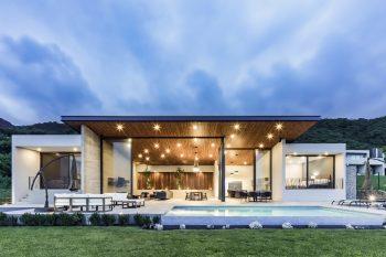 Lake House by FARQ Arquitectos