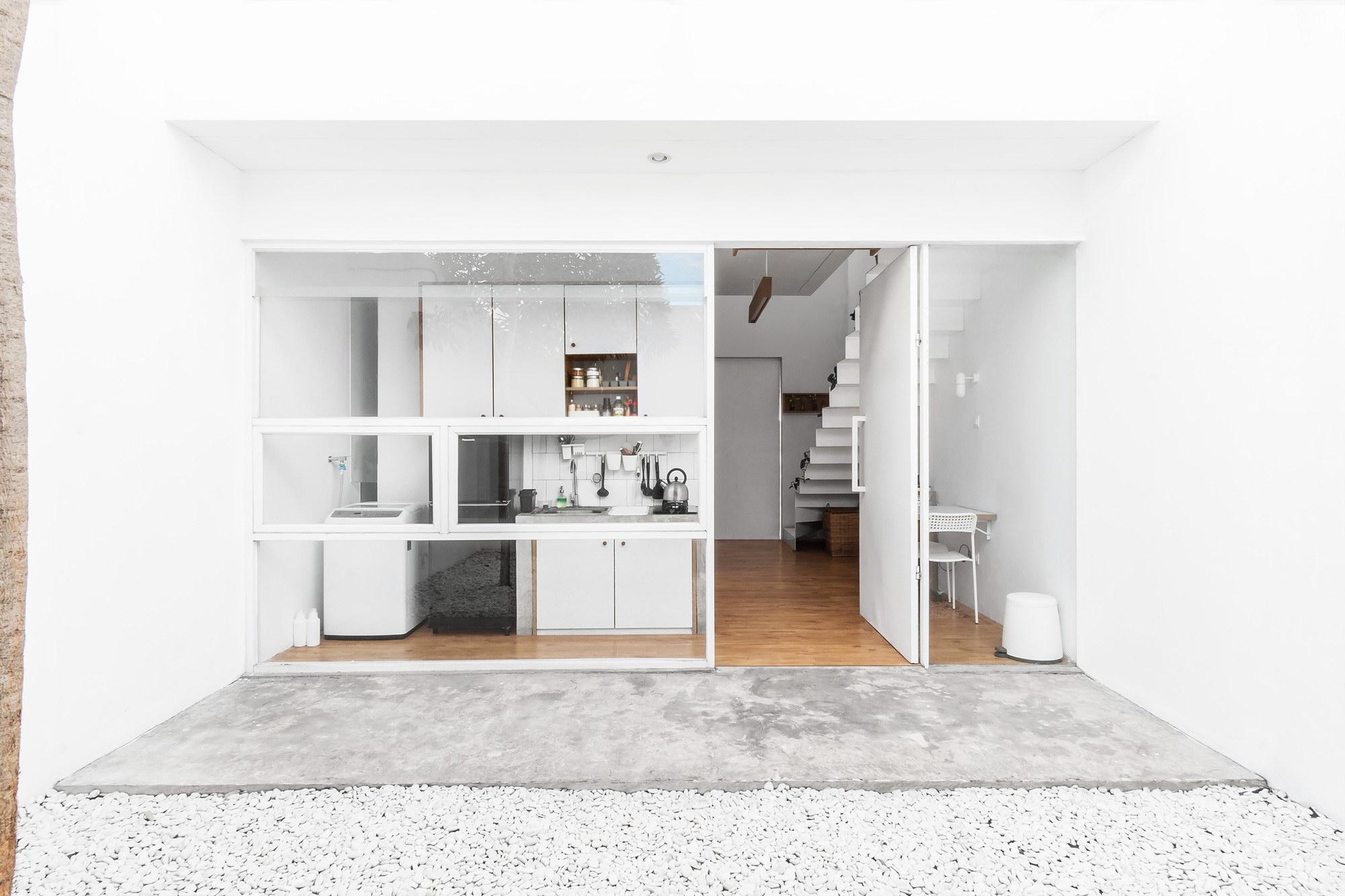 MO House   Minimalist Tiny House by DFORM