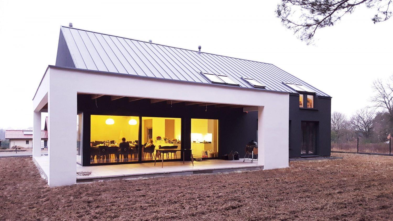 Modern Barn House in Dobra by Anna Thurow