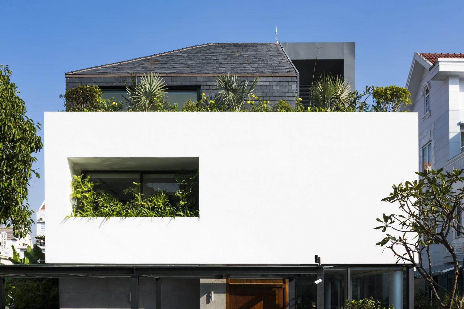 White Cube House | Minimalist Suburb House by MM++ architects