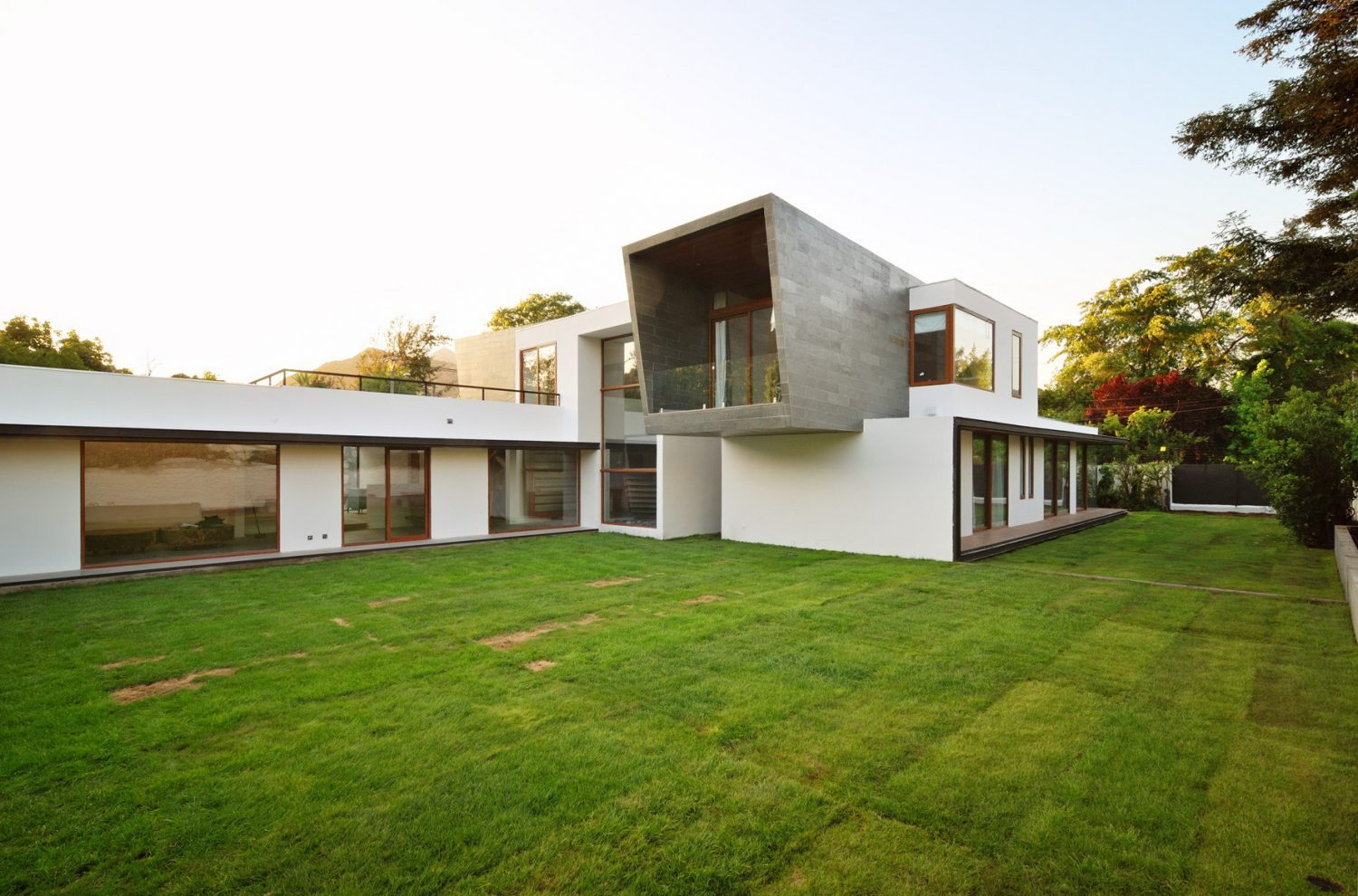 3-Element House by Swett Arquitectos