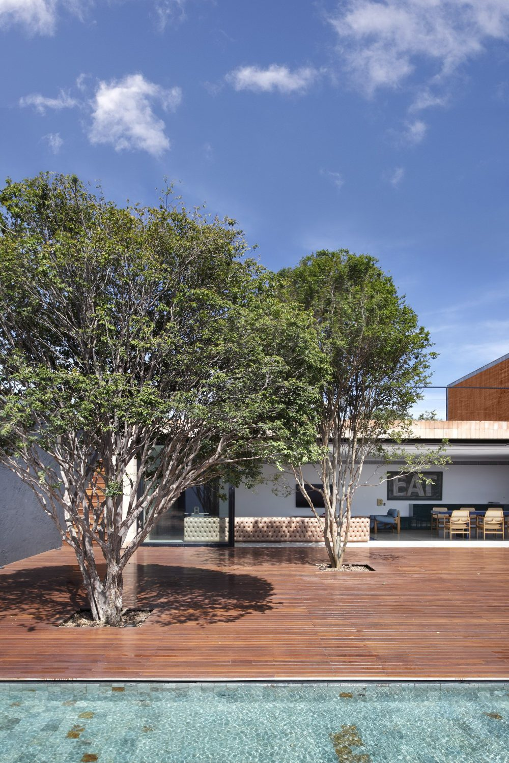 BT House by Studio Guilherme Torres