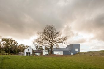House in Ireland by Markus Schietsch Architekten