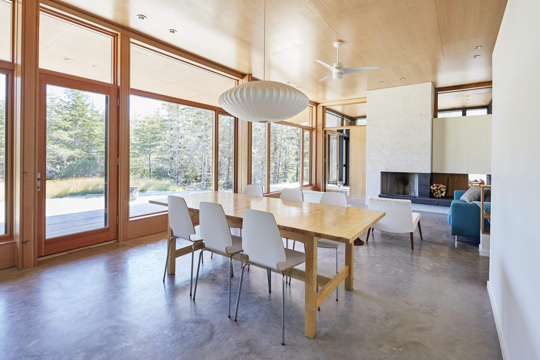 Lockeport Beach House by Nova Tayona Architects | Wowow ...