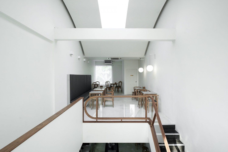 Transit No.8 | Cafe & Coffee Shop by Pommballstudio