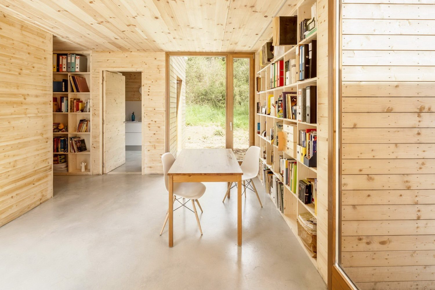 GG Bioclimatic House by Alventosa Morell Arquitectes