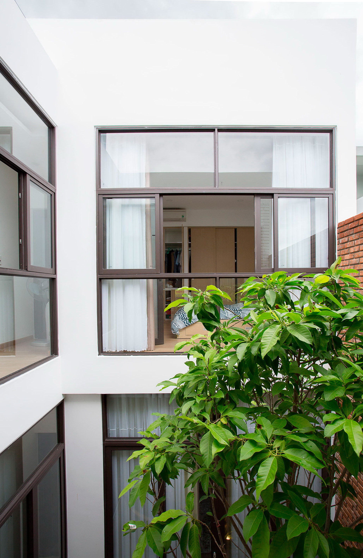 Minimalist House by 85 Design
