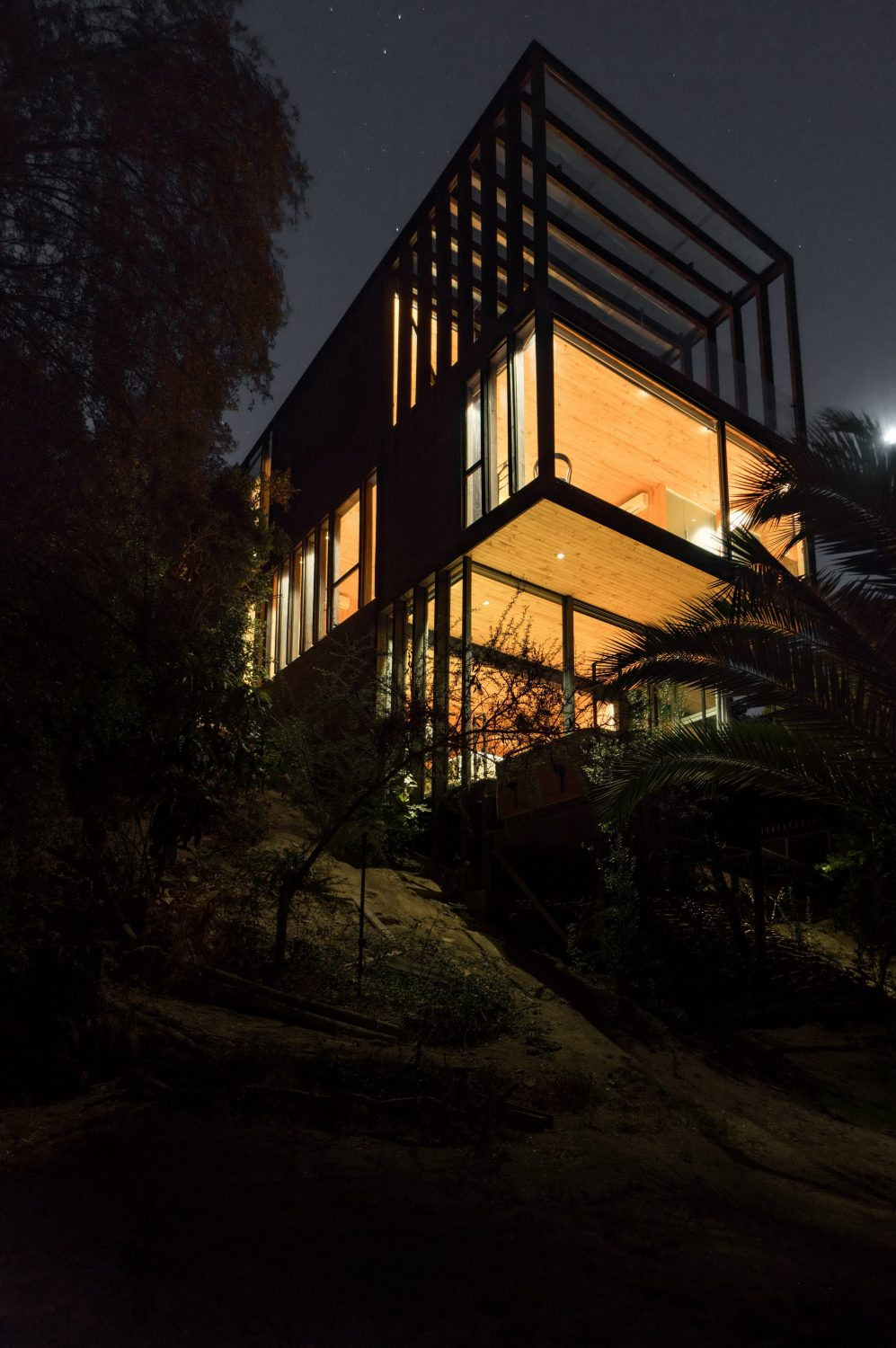 Slope House by Ian Hsü and Gabriel Rudolphy