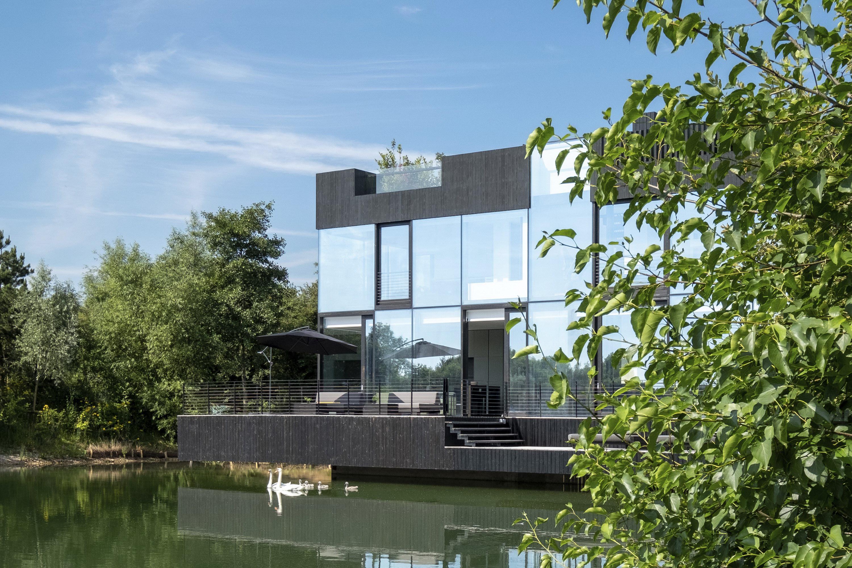 Villa on the Lake by Mecanoo