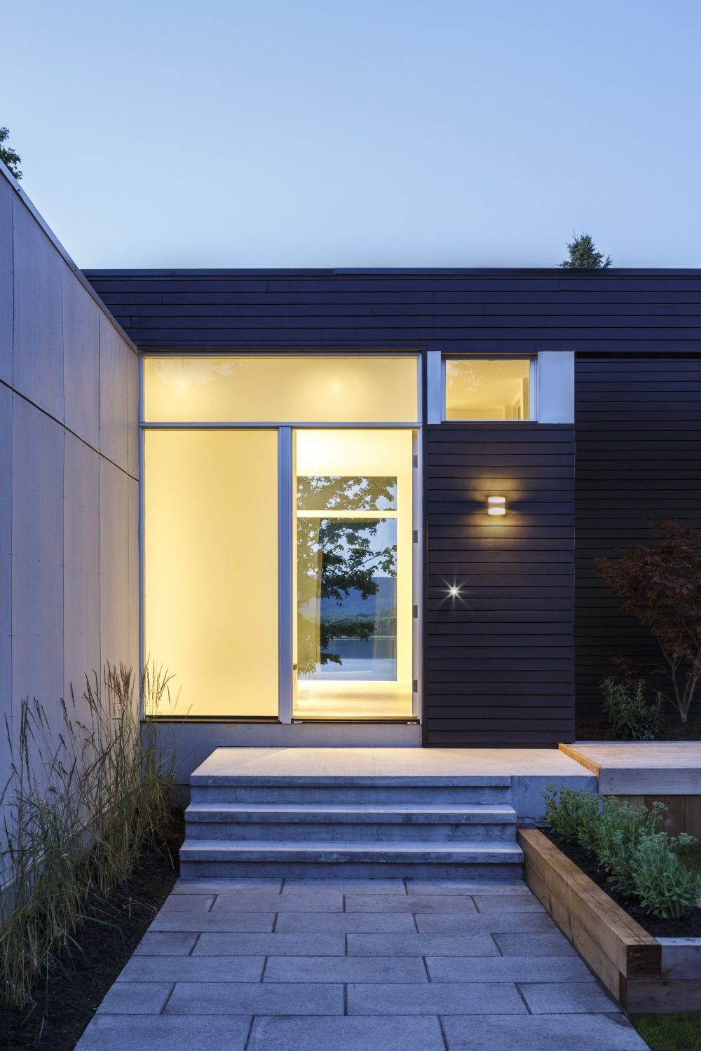 Dunrobin Shores by Christopher Simmonds Architect