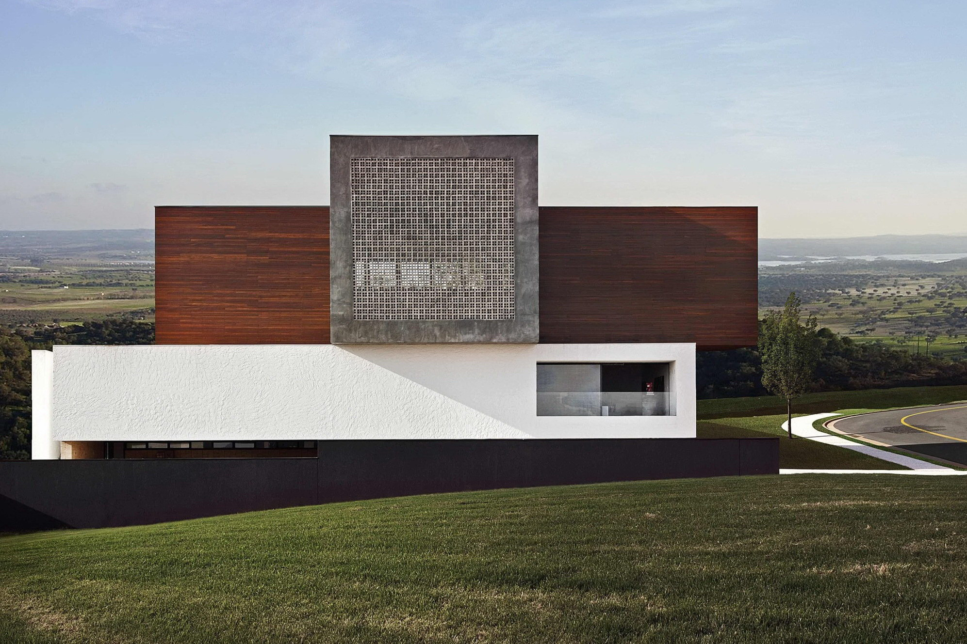 LA House by Studio Guilherme Torres