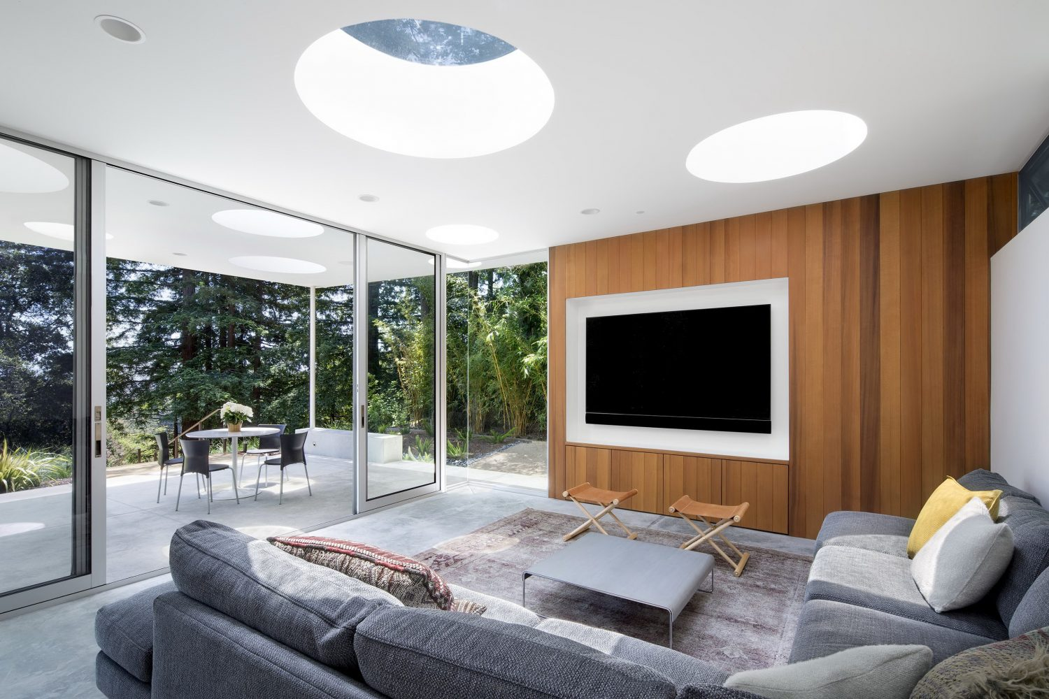 Mill Valley Guesthouse by Turnbull Griffin Haesloop Architects