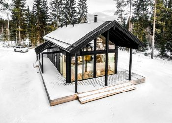 Modern Log Villa in Central Finland by Pluspuu Oy