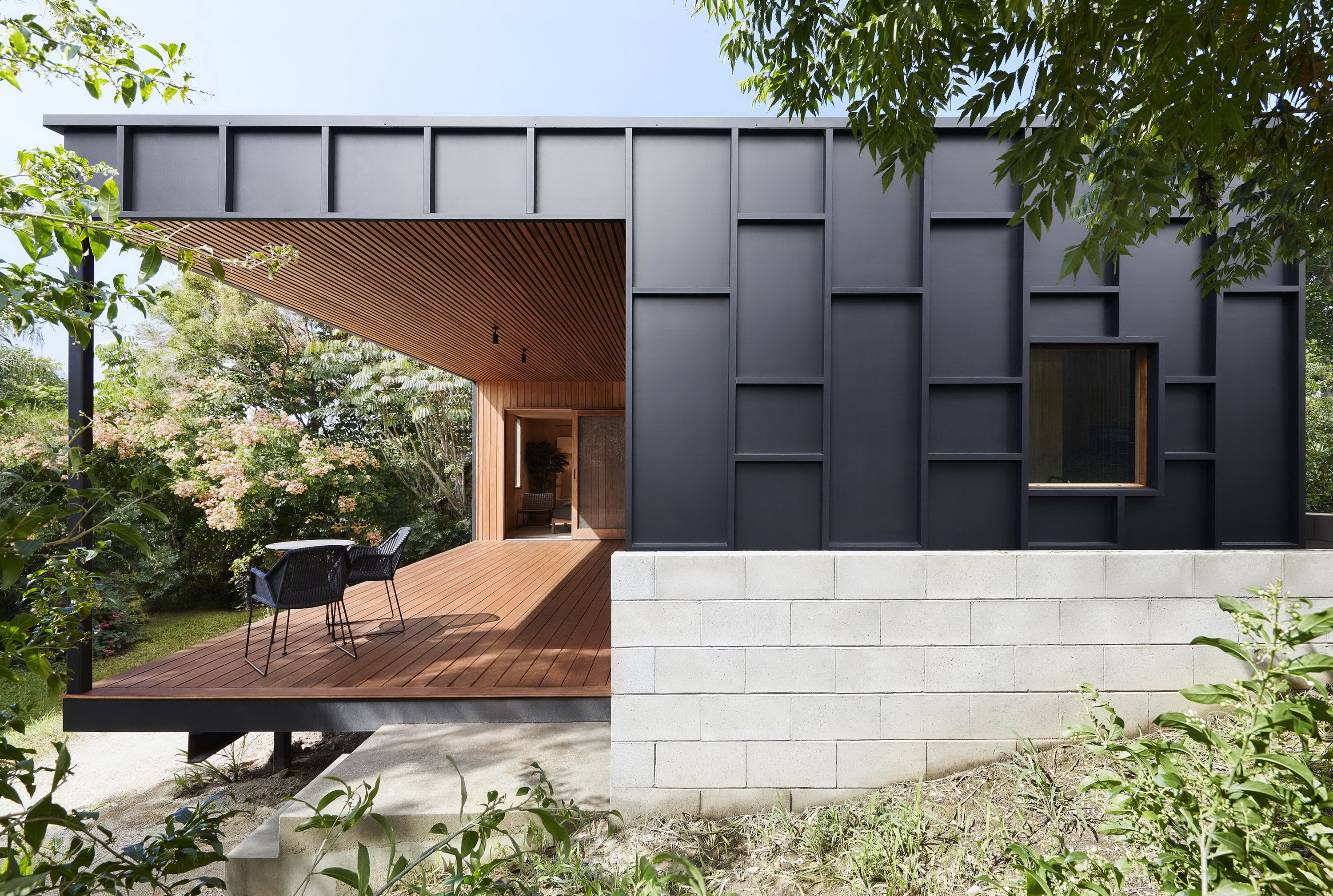 OCM House by Studio Jackson Scott