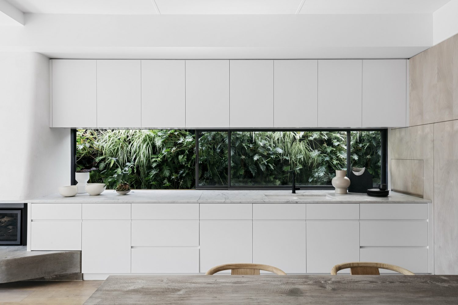 Queens Park House by Alexander &CO.
