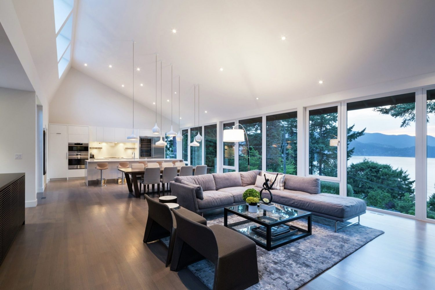 St. Georges by Randy Bens Architect