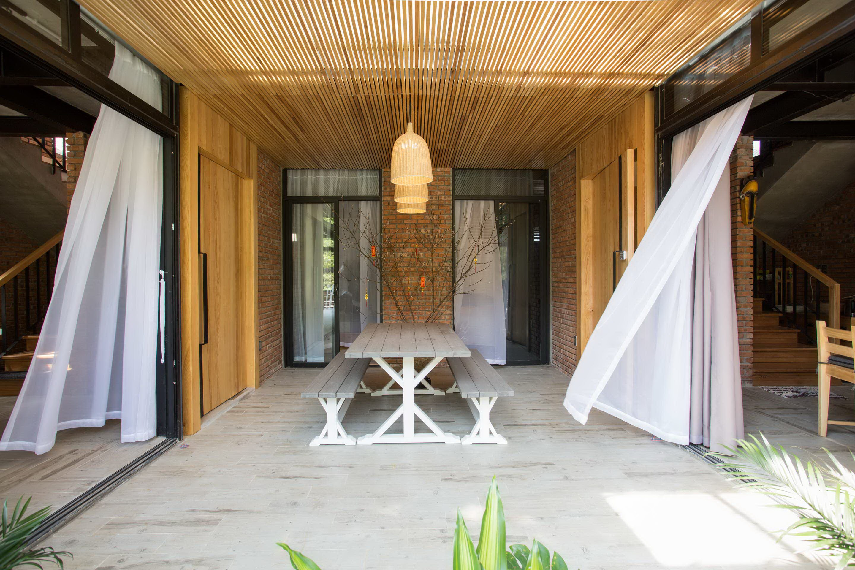 Two Hói's House by 85 Design