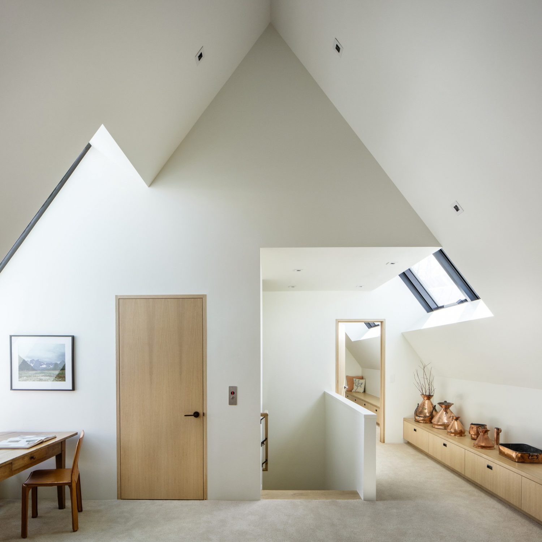 V-Plan House by Studio B