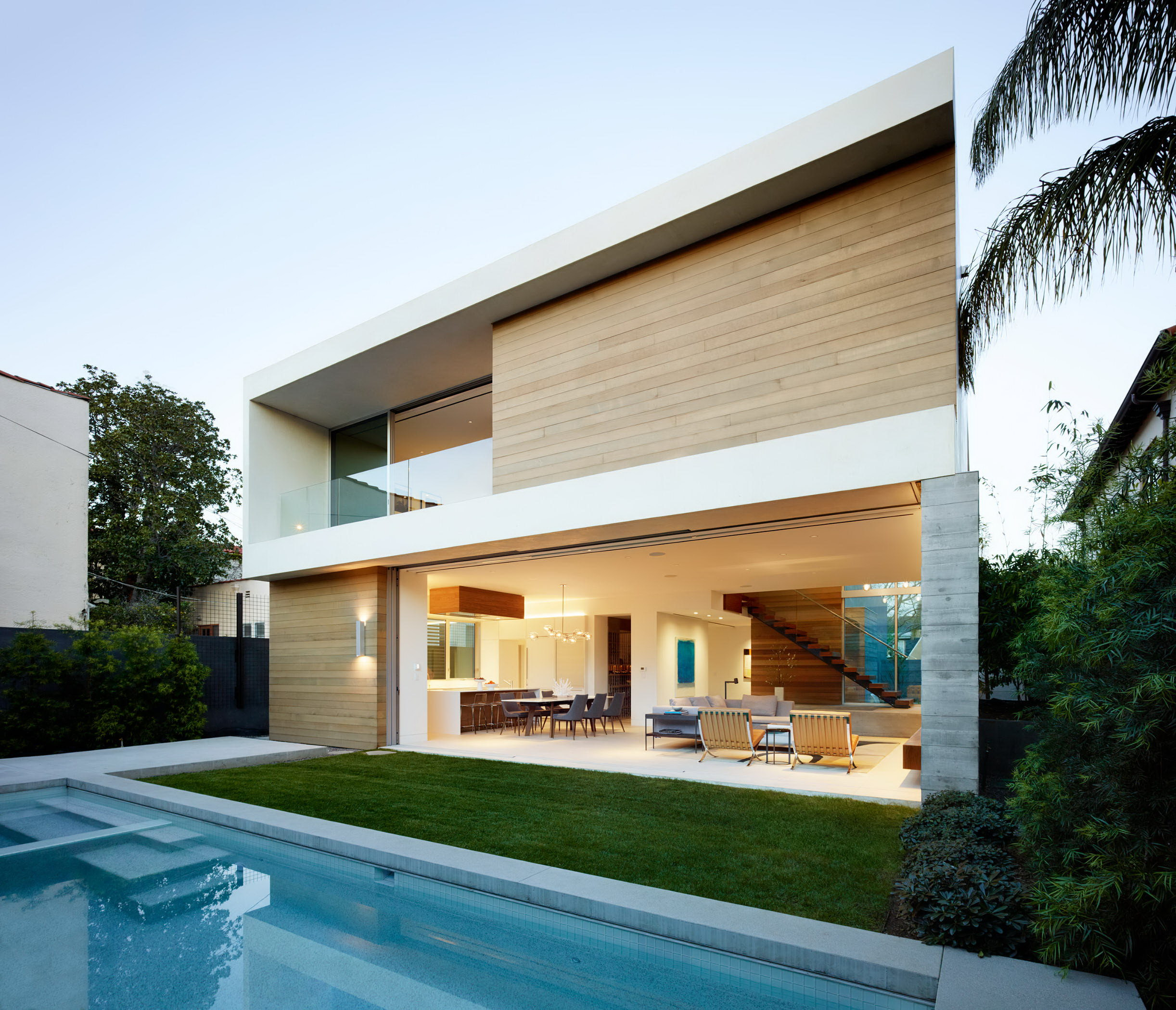 Crescent Drive by Ehrlich Yanai Rhee Chaney Architects