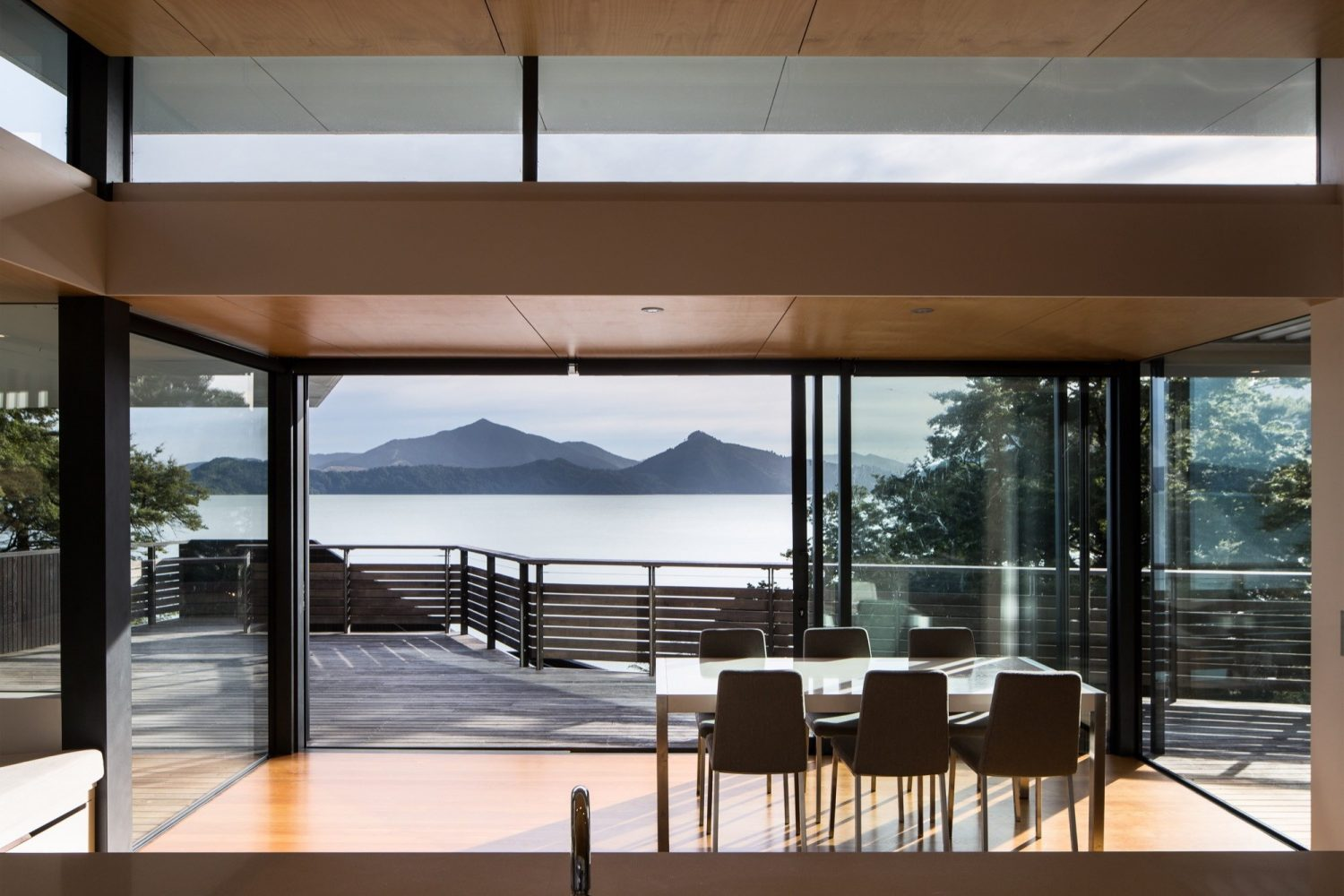 Moetapu Beach House by Parsonson Architects