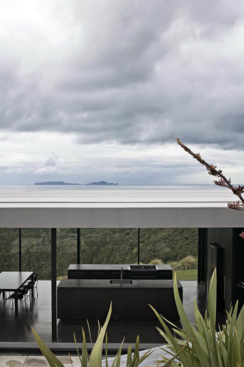 Sandy Bay Road House by Fearon Hay Architects