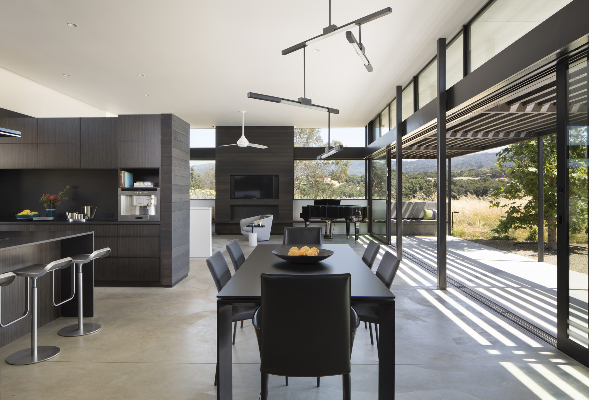 The Meadow Home by Feldman Architecture