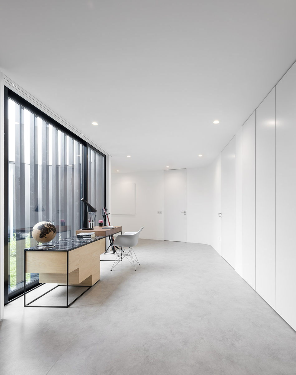 Cabo de Vila House by spaceworkers