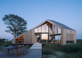 Caseta House by Lichtstad Architecten